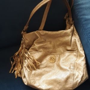 TORY BURCH SLOUCHED SHOULDER BAG